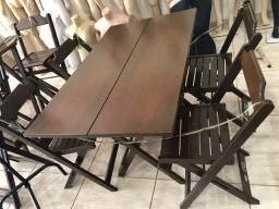 Conjunto de mesa com cadeiras dobráveis