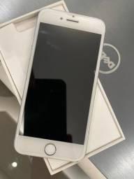 Vendo iPhone 7 32gb Silver.