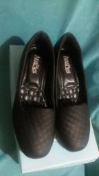 vende-se este sapato social da Ana Flex numero 37 no formato grande 80,00 reais