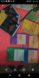 Livros de fisioterapia e enfermagem