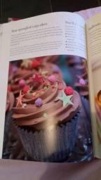 Livro para confeitaria de bolos - Cake Decorating at home
