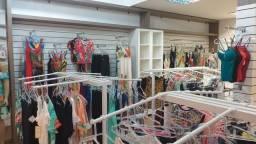 Arara de roupas loja