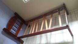 Cama de madeira solteiro, valor 300