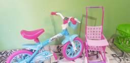 Bicicleta e carrinho pra boneca