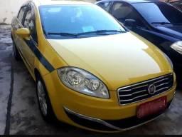 Fiat linea essence 1.8 e-torque