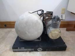 Compressor odontológico Dabi Atlante S-136 - (para peças de reposição) c /defeito