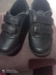 Sandálias novas e sapato novo