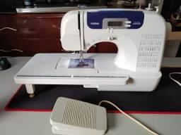 Máquina de Costura . CS6000 i Brother semi nova - ótimo estado