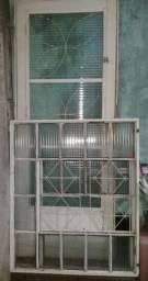 Porta e janela de ferro