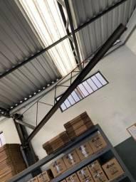 Talha - Braço giratório de ferro medindo 4,00 altura x 4,00 comprimento suporta 600kg