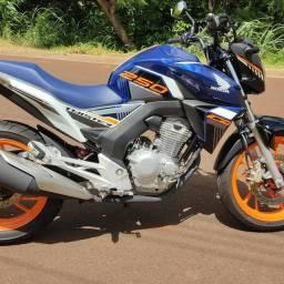 Honda CB Twister 250 Edição Limitada