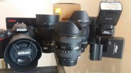 Camera Profissional Nikon + 2 Baterias + 4 Lentes + Flash