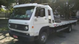 Caminhão guincho Plataforma - 2013