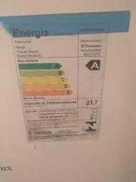 Geladeira Eletrolux em ótima condições.