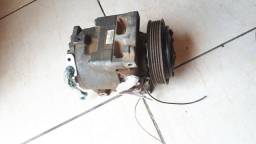 Compressor de ar condicionado do Fiat uno