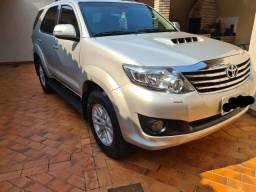 Toyota hilux SW4 7 lugares top