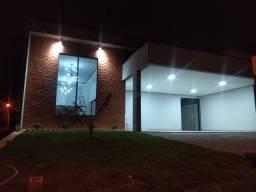 Linda residência à venda localizada em Condomínio fechado. 3 dormitórios