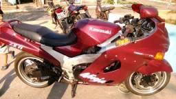 Kawasaki zx11 pra trocar em repasse de moto esportiva.
