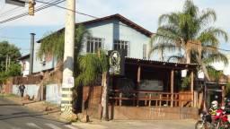 Excelente Loja, salas e casa em terreno de esquina na Av Forte