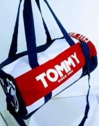 Bolsa Tommy para academia ou pequenas viagens