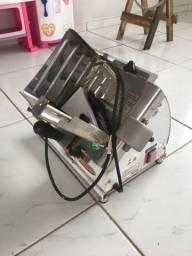 Fatiador de Frios Bermar Semi-Automático 196mm BM07-NR Bivolt semi nova