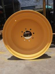 Título do anúncio: Roda traseira retroescavadeira NH LB90/ LB95/ LB110 - p/n *