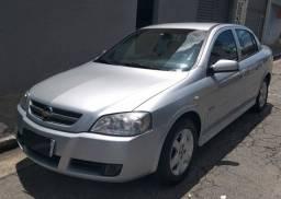 GM/Astra sedan avance 2.0 - impecável