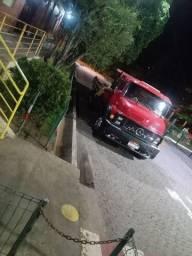 1313 /79 caminhão trabalhando