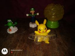 Luigi Yoshi e pikachu