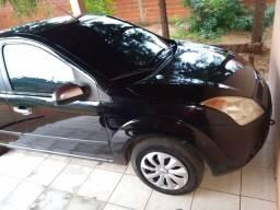 Fiesta Sedan 1.0 completo 8v 2008