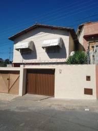 Aluga-se casa segundo pavimento Rua Antônio Fróes- Vila Guilhermina Imobiliária Metrópole