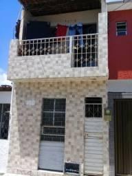 Aluga casa pra 1 (uma) pessoa 82- *