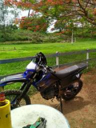 Vendo ttr 230 cc moto nova d mas tem Nd pra fazer moto zera!!!