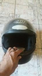 Vendo capacete EBF usado