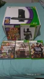 Xbox 360 com kinect e 2 controles originais e 5 jogos originais