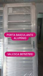PORTA BASCULANTE ALUMÍNIO