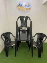Conjunto de Mesa com 4 Cadeiras Poltrona