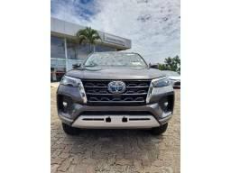 Toyota Hilux Sw4 2.8 D-4D Turbo Diesel SRX 7L / Para pedido