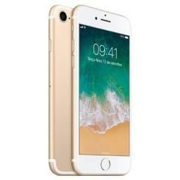 Apple iPhone 7 256GB Dourado - Vitrine