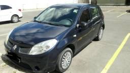 Vende-se ou Troca Sandero 2011 Completo em Carro mais novo ou financiado - 2011