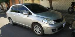 Nissan tiida sedan - 2010