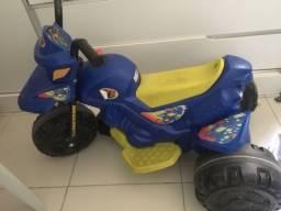 Moto elétrica infantil azul