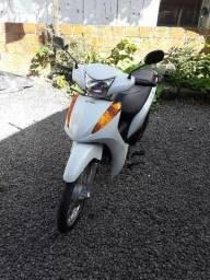 Honda Biz 100 com partida elétrica  - 2015