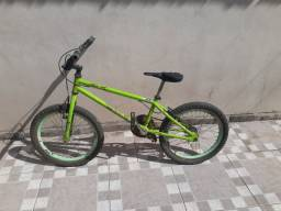 Bicicleta verde aro 20