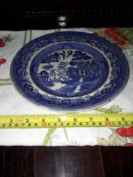 Belo prato antigo Warranted Staffordshire