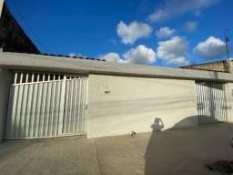 Vendo casa reformada 3 quartos com suíte em Jardim Brasil I