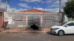 Casa para Venda em Várzea Grande, Santa Isabel, 3 dormitórios, 1 suíte, 2 banheiros, 2 vag