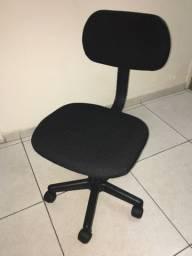 Cadeira de escritório novíssima