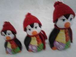 Oferta Artesanato em Porcelana Familia de Pinguins