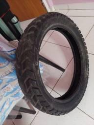 Título do anúncio: Vendo esse pneu pirelle